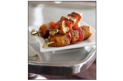 Spiesjes met mozarella en zongedroogde tomaatjes
