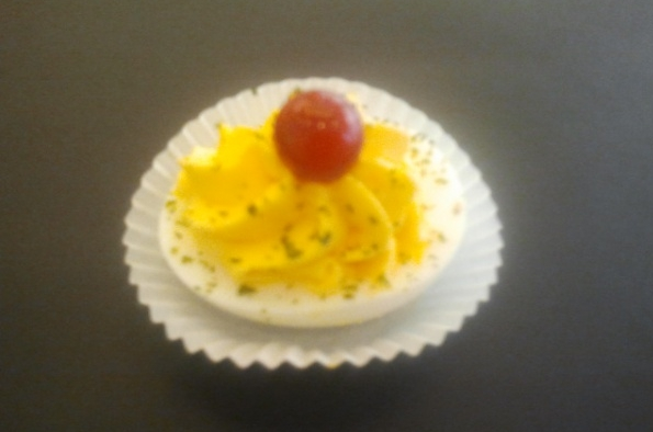 Gevulde eieren met leuke garnering