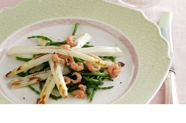 Komkommer met zeebanketsalade