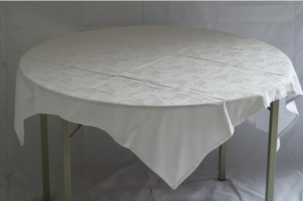 Tafel (ø120) met kleed wit