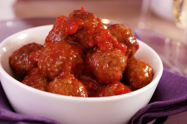 Snackballetjes in saus