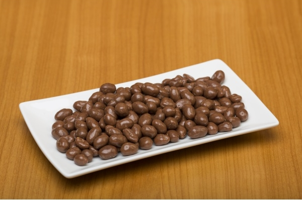 Rozijnen in chocolade melk