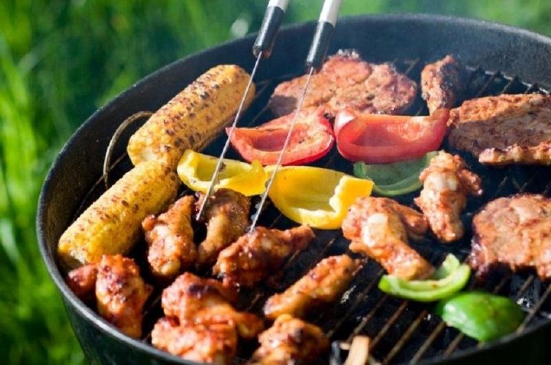 Actie: Ambiance barbecuepakket inclusief barbecuetoestel, borden en bestek