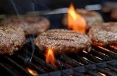 Actie: Barbecuepakket inclusief barbecuetoestel, borden en bestek
