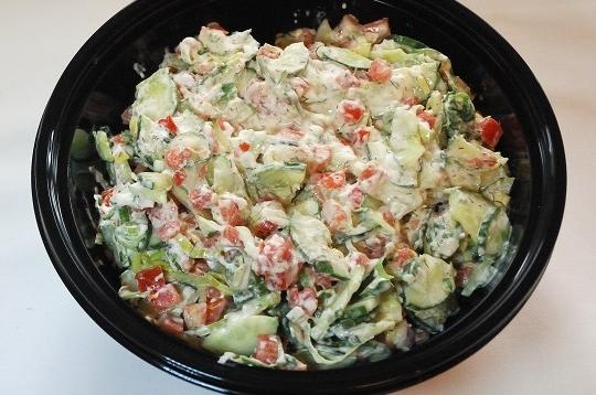 Komkommer tomaat salade