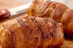 Spinazie a la crème met ei, gekookte aardappelen en slavink