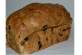 Hoog rozijnenbrood zonder spijs