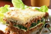 Lasagna met brood en kruidenboter