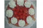 Aardbeien vlaai - met slagroom