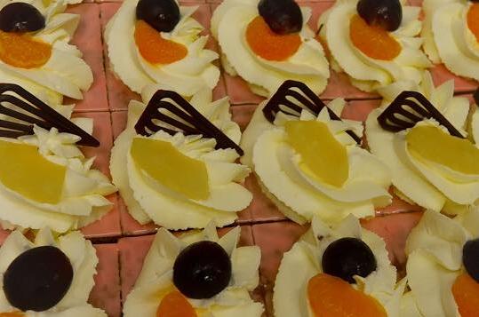 Oranjekoek - klein (gesneden)