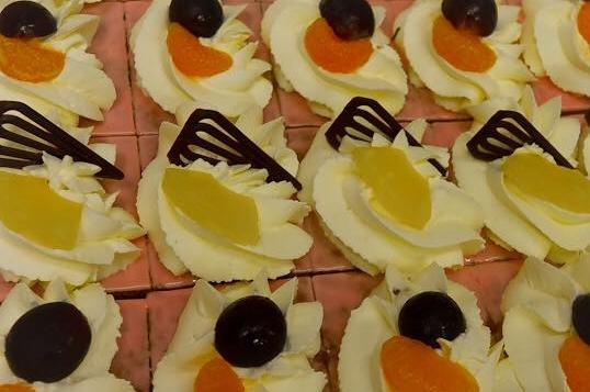 Oranjekoekstukje -slagroom (6 pers)