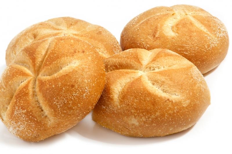 Kaiser broodjes wit
