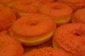 Oranje donuts 6 stuks voor 5,00*